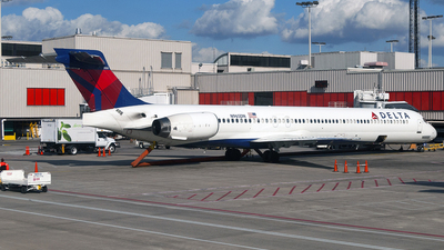 N965DN - McDonnell Douglas MD-90-30 - Delta Air Lines