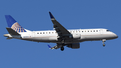 A picture of N89304 - Embraer E175LR - United Airlines - © DJ Reed - OPShots Photo Team