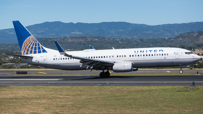 A picture of N34222 - Boeing 737824 - United Airlines - © Alfredo La Red