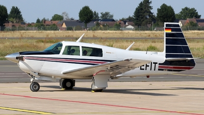 D-EFIT - Mooney M20J-201 - Private