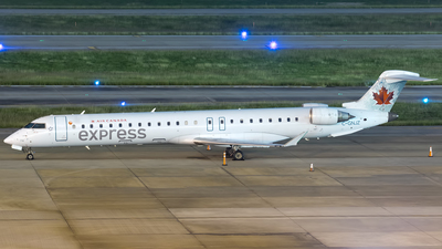 C-GNJZ - Bombardier CRJ-705LR - Air Canada Express (Jazz Aviation)