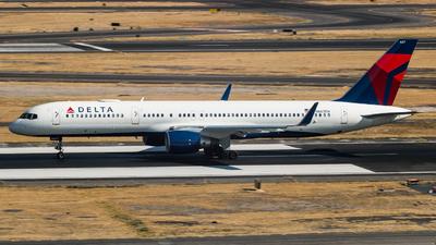 N667DN - Boeing 757-232 - Delta Air Lines