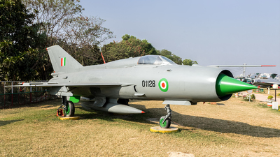 C1128 - Mikoyan-Gurevich MiG-21 Fishbed - India - Air Force