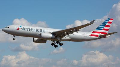 N290AY - Airbus A330-243 - American Airlines