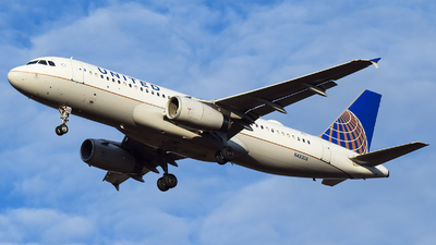 N493UA - Airbus A320-232 - United Airlines