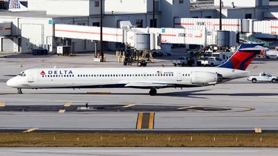 N910DN - McDonnell Douglas MD-90-30 - Delta Air Lines