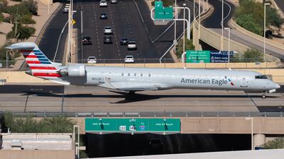 A picture of N922FJ - Mitsubishi CRJ900ER - American Airlines - © Drake D Kao