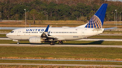 A picture of N23708 - Boeing 737724 - United Airlines - © John Mageropoulos