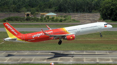 A picture of VNA647 - Airbus A321211 - VietJet Air - © Duc Thinh