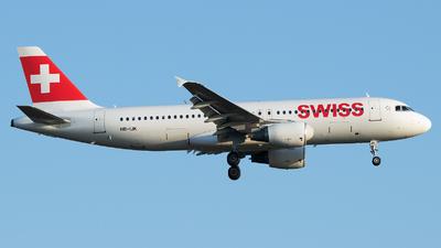A picture of HBIJK - Airbus A320214 - Swiss - © Stefan Bayer