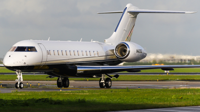 N421SZ - Bombardier BD-700-1A10 Global 6000	 - Private