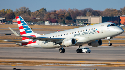 A picture of N443YX - Embraer E175LR - American Airlines - © Mateo Skinner