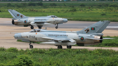 2712 - Chengdu F-7BGI - Bangladesh - Air Force
