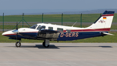 D-GERS - Piper PA-34-220T Seneca V - Private