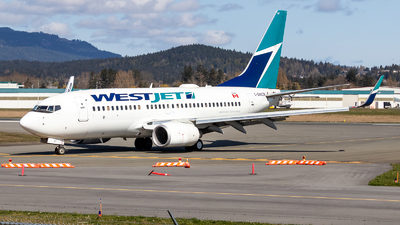 A picture of CGWCN - Boeing 7377CT - WestJet - © Grant Gladych