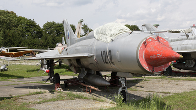 1212 - Mikoyan-Gurevich MiG-21PF Fishbed - Czech Republic - Air Force