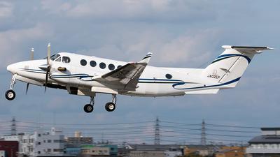 JA02EP - Beechcraft B300 King Air - Noevir Aviation