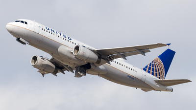 N454UA - Airbus A320-232 - United Airlines