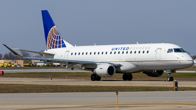A picture of N723YX - Embraer E175LR - United Airlines - © Elliott F Martin
