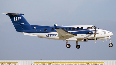 N829UP - Beechcraft B300 King Air - Wheels Up