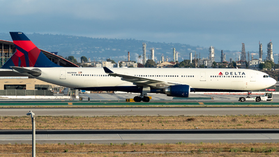 N829NW - Airbus A330-302 - Delta Air Lines