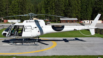 A picture of IMGCC - Aérospatiale AS 350B3 Ecureuil - [8560] - © Aldo Bidini