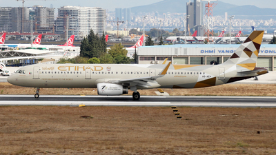 A6-AEH - Airbus A321-231 - Etihad Airways