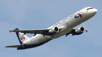 A picture of VQBOZ - Airbus A321211 - [2117] - © ShipSash