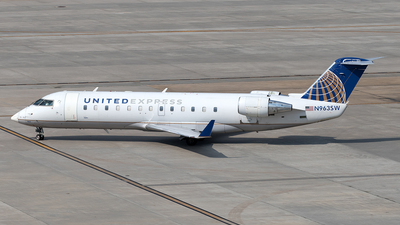 A picture of N963SW - Mitsubishi CRJ200ER - United Airlines - © Yixin Chen