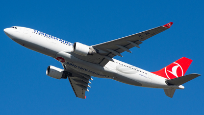 A picture of TCJIR - Airbus A330223 - Turkish Airlines - © Aldo Bidini