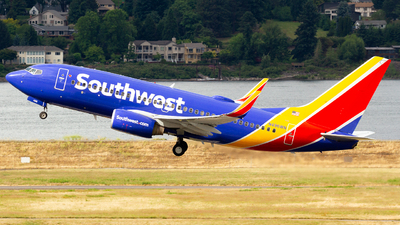 N496WN - Boeing 737-7H4 - Southwest Airlines