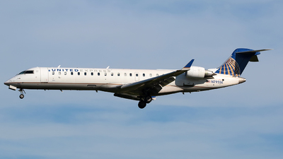 A picture of N795SK - Mitsubishi CRJ701ER - United Airlines - © Angel Natal