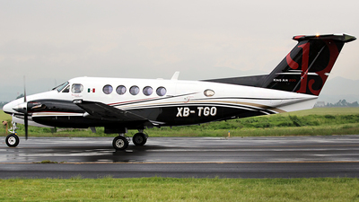 XB-TGO - Beechcraft 200 Super King Air - Private