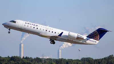 A picture of N441ZW - Mitsubishi CRJ200LR - United Airlines - © Chrisjake