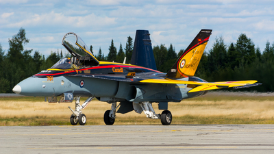 188761 - McDonnell Douglas CF-188 Hornet - Canada - Royal Air Force