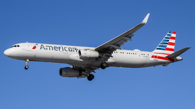 A picture of N988AL - Airbus A321231 - American Airlines - © Simon B