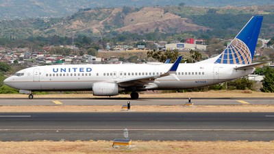 A picture of N77525 - Boeing 737824 - United Airlines - © Ivan Jimenez Rojas