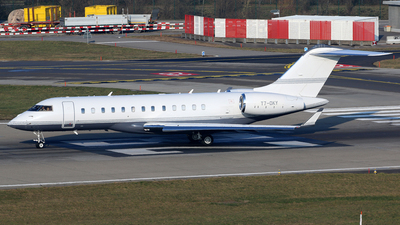 T7-OKY - Bombardier BD-700-1A10 Global 6000 - Private