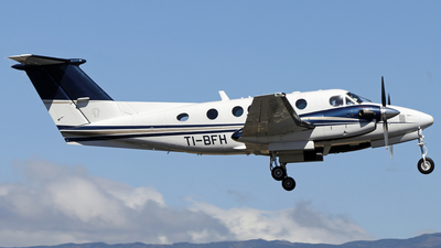 TI-BFH - Beechcraft 200CGT King Air - Private