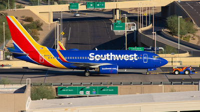 A picture of N425LV - Boeing 7377H4 - Southwest Airlines - © Alexander Owen