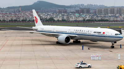 A picture of B2086 - Boeing 77739L(ER) - Air China - © B-16205