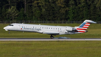 N613QX - Bombardier CRJ-701 - American Eagle (ExpressJet Airlines)