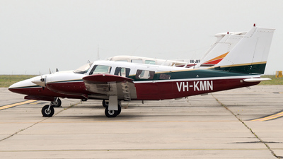 VH-KMN - Piper PA-34-200T Seneca II - Private