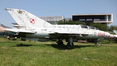 9349 - Mikoyan-Gurevich MiG-21UM Mongol B - Poland - Air Force