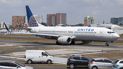 A picture of N77510 - Boeing 737824 - United Airlines - © Juan Manuel Galvez