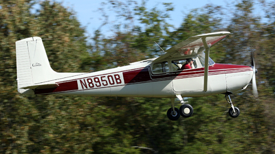 N8950B - Cessna 172 Skyhawk - Private