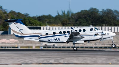 N359CB - Beechcraft B300 King Air 350i - Private