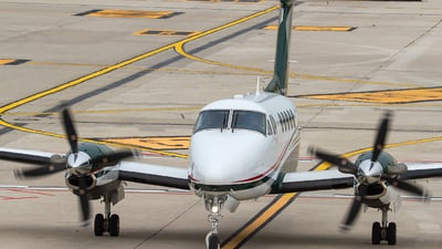 SP-KKS - Beechcraft B200GT Super King Air - Private