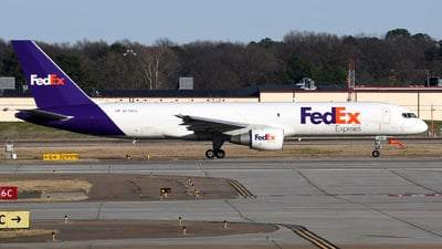 A picture of N770FD - Boeing 757222(SF) - FedEx - © Charles Rose