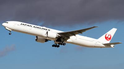 JA738J - Boeing 777-346ER - Japan Airlines (JAL)